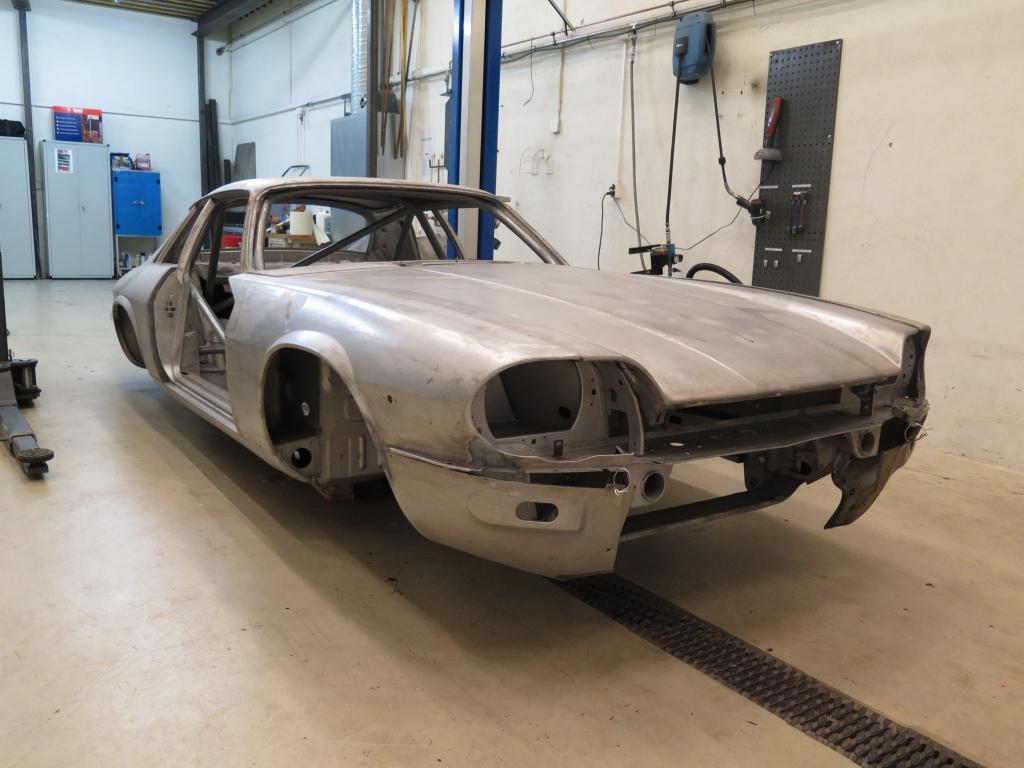 Jaguar XJS TWR Gr.A replica for historic racing - mobeck.com
