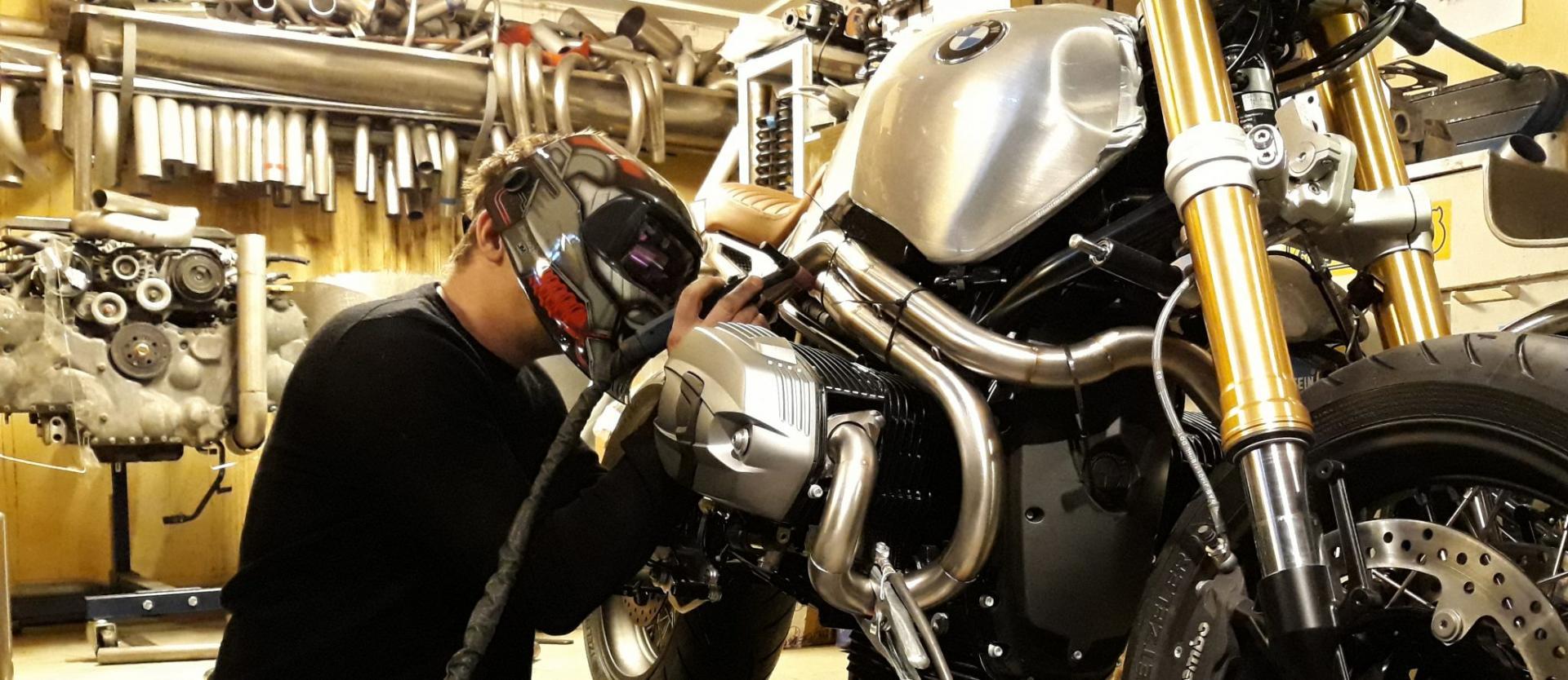 Custom exhaust for BMW R nine T - mobeck com